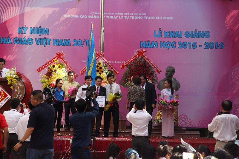 Meteccons –Trao học bổng cho Sinh Viên nghèo vượt khó năm 2015